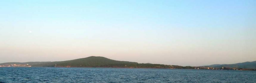Русский остров вид из Владивостока