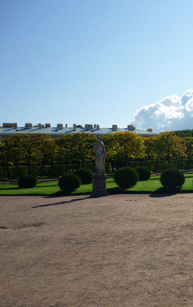 Внутри Екатерининского сада