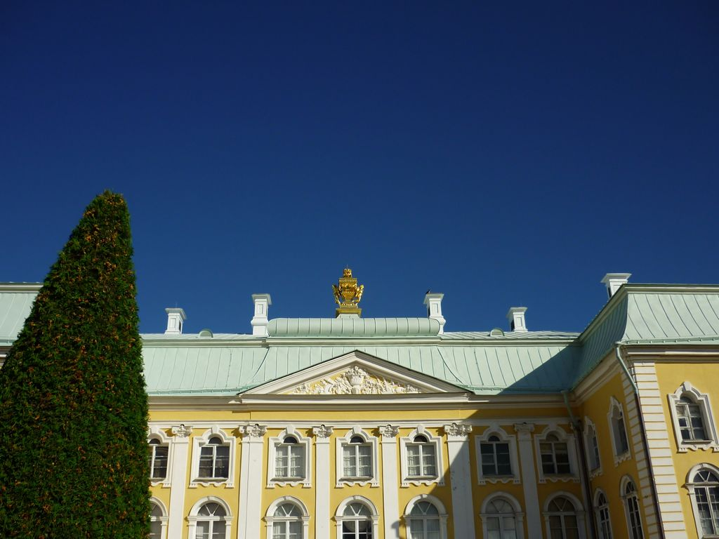 корона Петродворца