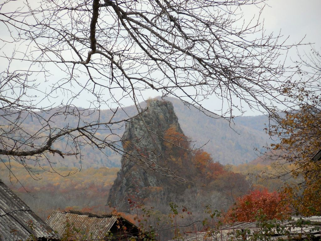 Скала в селе Старая Каменка