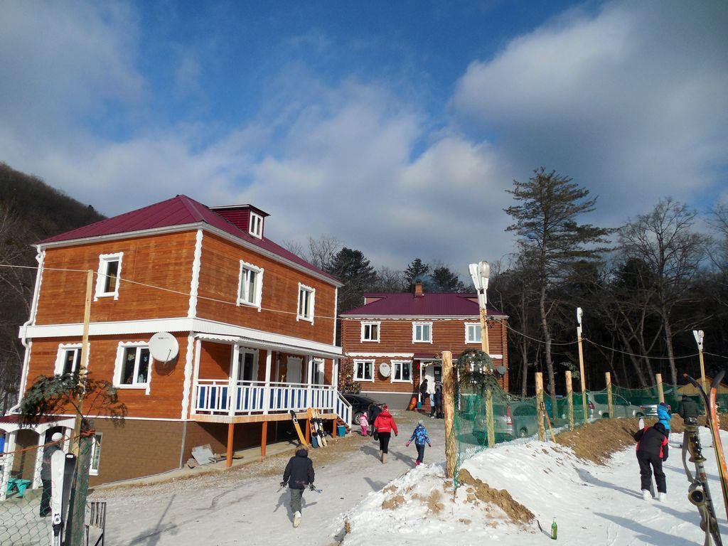 домики на базе Алексеевка в Сергеевке